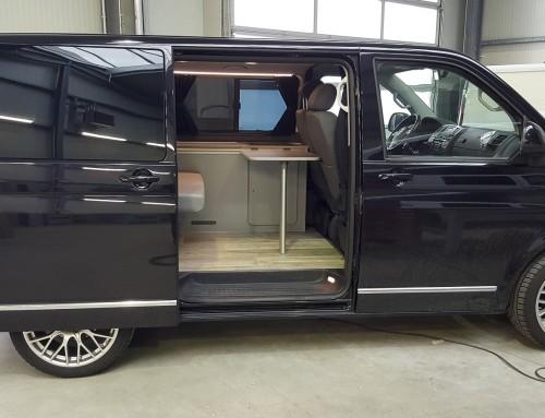 VW T5 Ausbau Basic mit eigener Sitzbank