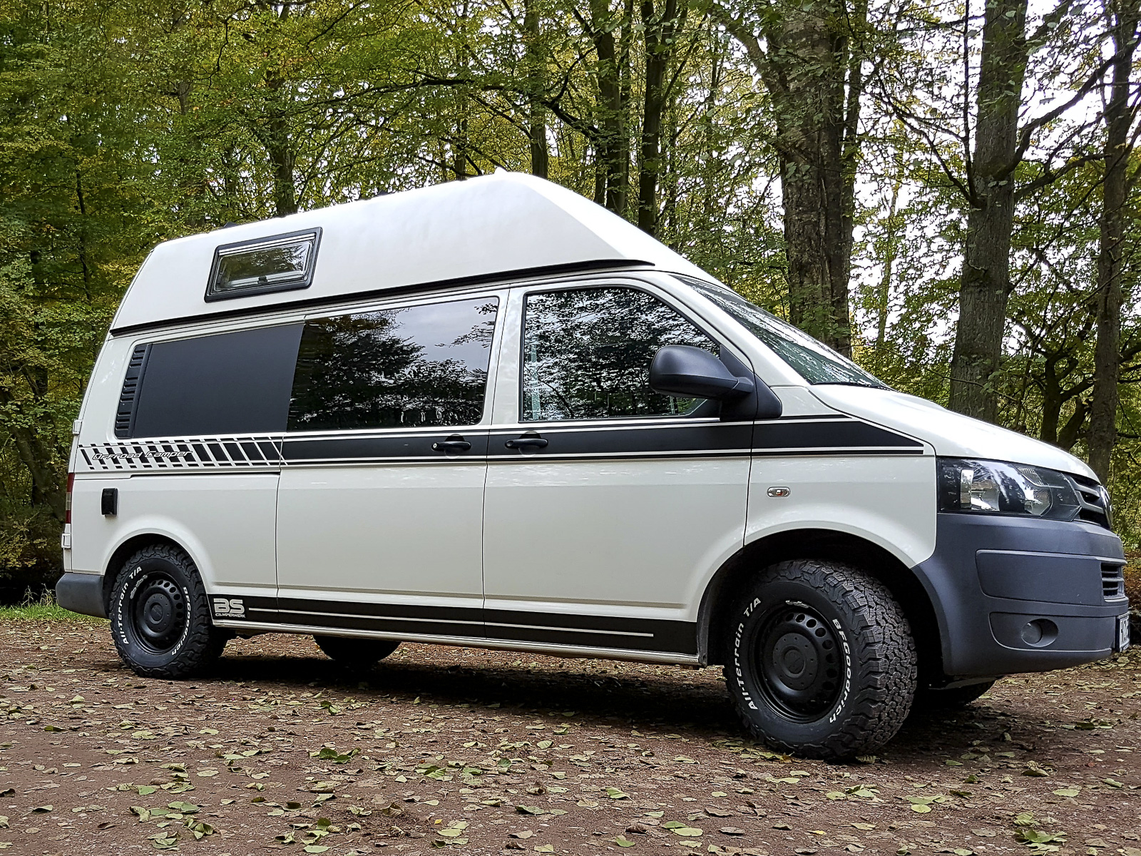 galerie vw t5 offroad premium mit hochdach bs camperwerk. Black Bedroom Furniture Sets. Home Design Ideas
