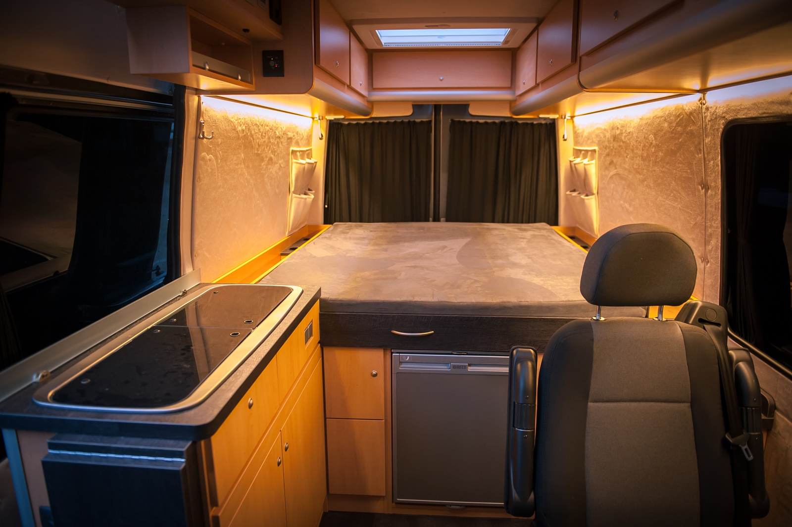 galerie mercedes sprinter 4 4 bs camperwerk. Black Bedroom Furniture Sets. Home Design Ideas